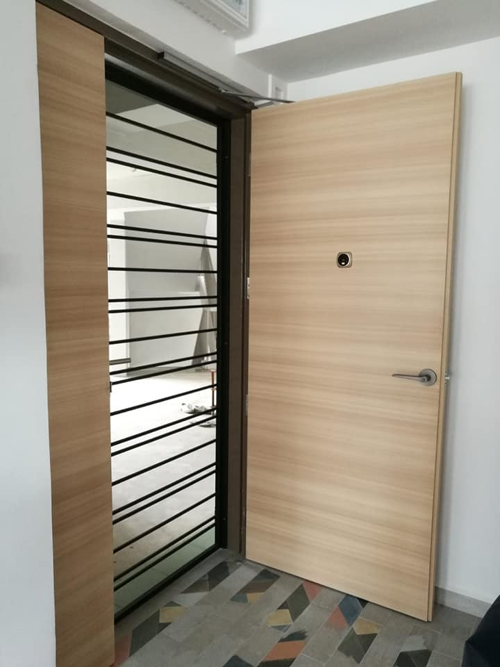 In-House Laminate Solid HDB Main Wooden Door Double Leaf 4x7 Feet