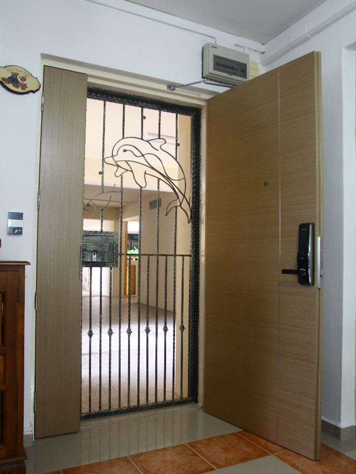 Veneer Solid HDB Main Door Double Leaf 4x7 Feet