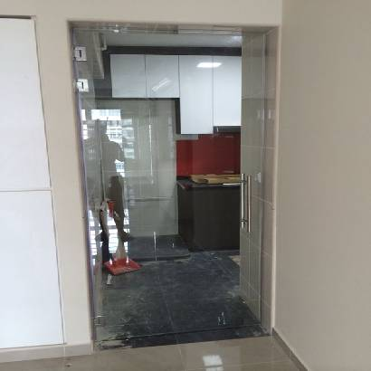 Wall to Wall Glass Shower Screen
