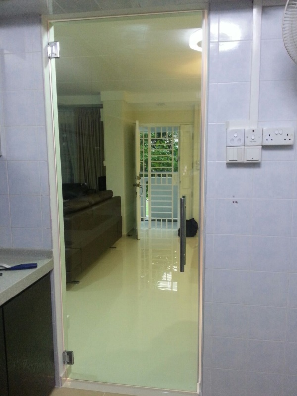Buy wall to wall glass shower screen in My Digital Lock Singapore. Call 9067 7990