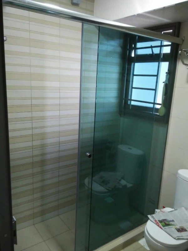 Buy wall to wall glass shower screen @ our Singapore Showroom. Call 9067 7990`